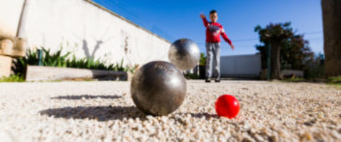 Initiation pétanque enfants